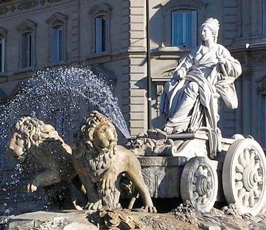 Estatua de la diosa Cibeles en el Paseo del Prado, Madrid