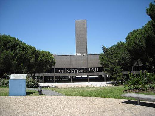 d131d78b8990 El recorrido histórico que ha conducido a la creación del actual Museo del  Traje es extraordinariamente complejo. Esto ha supuesto