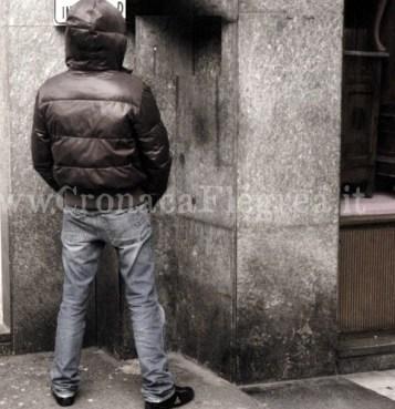 pipì in strada