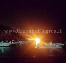 imbarcazione fuoco 2