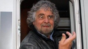 Volete consegnare l' Italia a Beppe Grillo? Guardatelo bene e pensateci