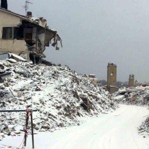 Terremoto scosse a Roma, Firenze, Napoli. Cnr: rischio contagio. La Croce Rossa consiglia