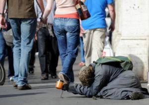 """Per i """"poveri"""" 50 miliardi di euro ma i poveri aumentano e i soldi spariscono..."""