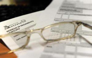 Riforma fiscale urgente, tassa uguale per tutti al 25%, via Imu e Irap, se la sinistra vuole restare