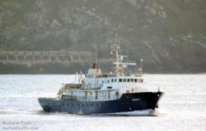 Migranti, ecco la nuova rotta degli scafisti, 86 profughi arrivano in barca a vela da 12 metri