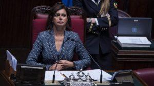 La Boldrini grazie a Caruso scopre lo scandalo dei portaborse. Ma la paghiamo per questo