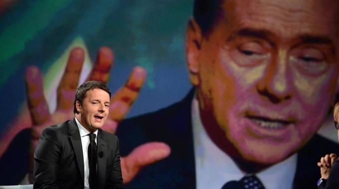 La diga anti-Grillo: guerra all'ultimo sangue tra Berlusconi e Renzi