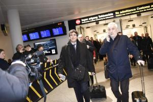 Catalogna, Puigdemont a Copenhagen: procura spagnola esorta all'arresto