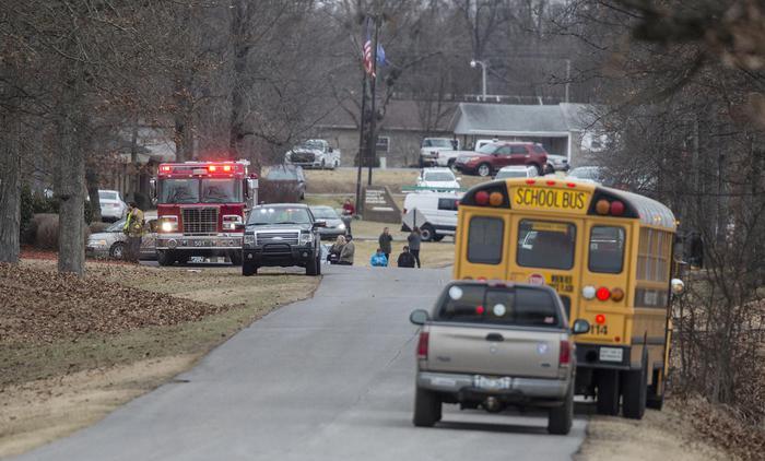 Usa, sparatoria in una scuola: 2 morti e 19 feriti. Arrestato studente di 15 anni