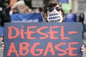 Germania, cavie umane per test auto: in Volkswagen sospeso un manager