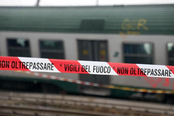 Treno deragliato a Pioltello: riprende la circolazione, ma ora si indaga per incidente ferroviario colposo