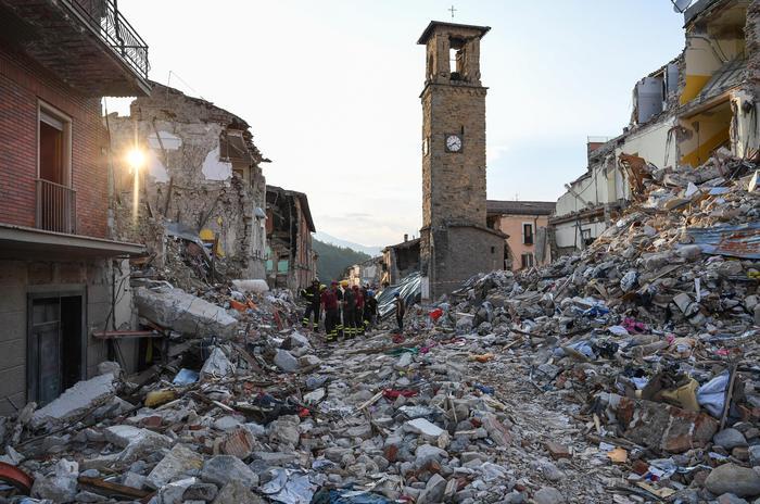 Terremoto, al centro Italia la crosta terrestre non ha mai smesso di vibrare: si teme incubo nuovo sisma