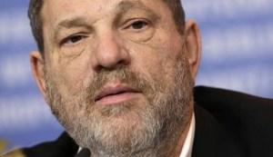 """Usa, Weinstein schiaffeggiato al ristorante, l'aggressore: """"Per quello che hai fatto alle donne"""""""