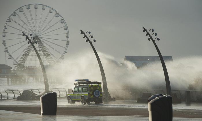 Eleanor, la tempesta perfetta in Europa: voli cancellati e black out