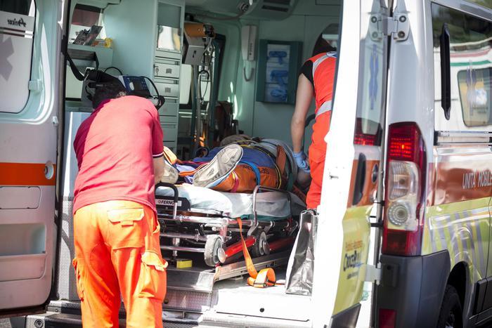 Trieste: colpito da infarto, soccorsi si attivano 11 minuti dopo chiamata e l'uomo muore