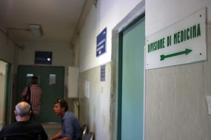 Caserta, ferisce con il coltello l'insegnante di italiano per l'interrogazione: fermato per lesioni gravi
