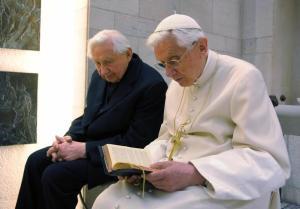 """Ratzinger, parla il fratello Georg: """"Ha malattia paralizzante, morte vicina"""""""