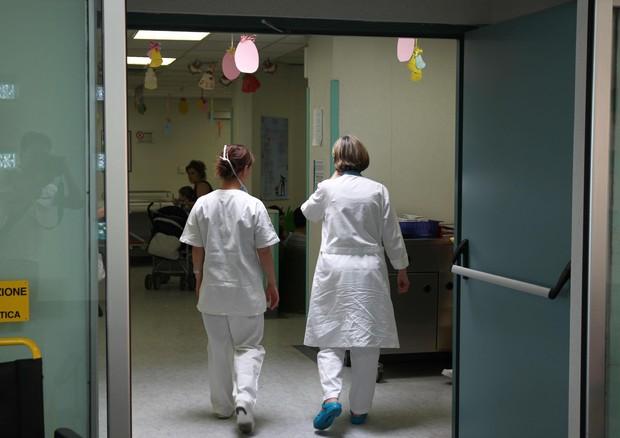 Brescia, visitata da due ospedali e sempre rimandata a casa: bimba di 4 anni muore per un'otite degenerata