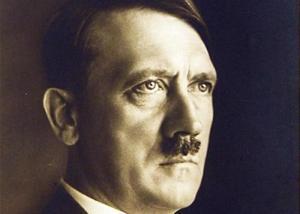 Ascoli Piceno, professore fa gli auguri di compleanno a Hitler su Facebook: rimosso il post, restano le polemiche