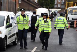 """Londra, due sparatorie nella notte: morta ragazza di 17 anni, grave un sedicenne. La polizia: """"Fatti non collegati"""""""