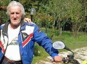 Vince alla lotteria, compra una moto e la prova: ma sbanda e muore nello schianto