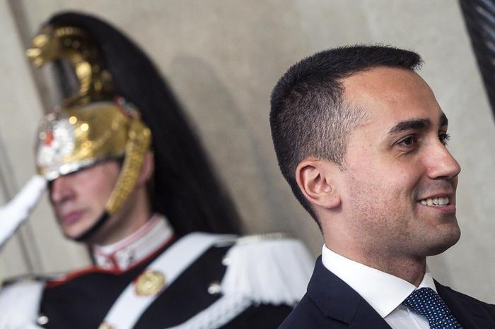 """Di Maio: """"Se si torna al voto è colpa di Salvini, ha preferito Berlusconi"""""""