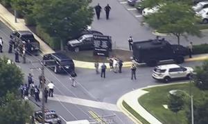 Usa, sparatoria nella sede del Capital Gazette ad Annapolis: cinque morti e due feriti gravi. Arrestato l'attentatore