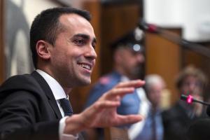 """Di Maio: """"Mezz'ora di internet gratis al giorno per tutti"""". Poi il vice premier critica la riforma Ue del copyright"""