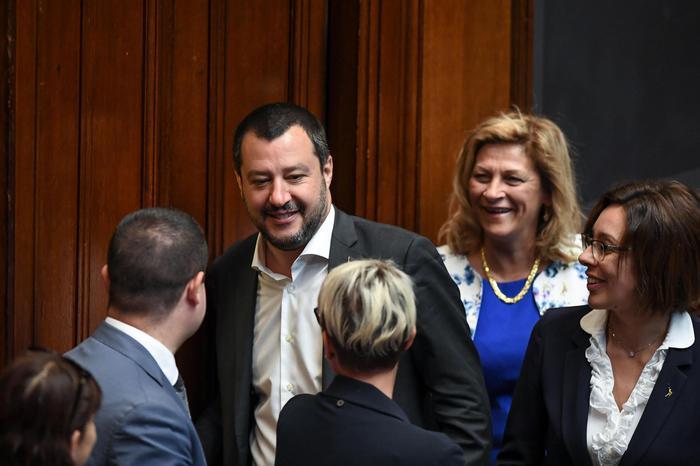 """Salvini: """"Daremo alla Libia 12 motovedette: formeremo equipaggi per continuare a proteggere vite nel Mediterraneo. Decisione in Consiglio dei ministri"""""""
