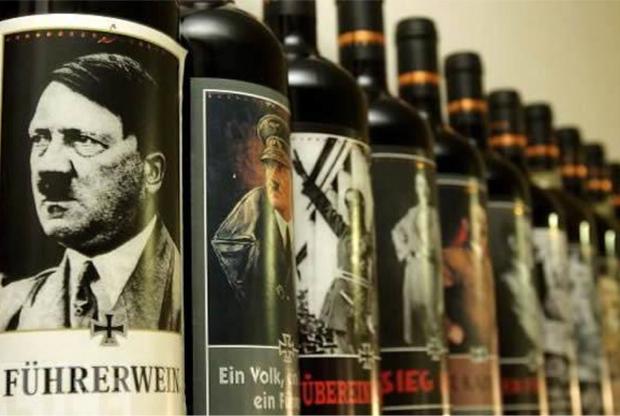 """Jesolo, il negozio del vino nazista: Hitler e Mussolini sullo scaffale. Il proprietario: """"Gli italiani comprano, solo i tedeschi si lamentano"""""""