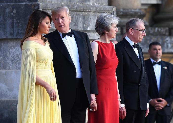 """Trump stronca la Brexit di May: """"Non mi ha ascoltato, a rischio accordi commerciali Usa-Gb"""""""