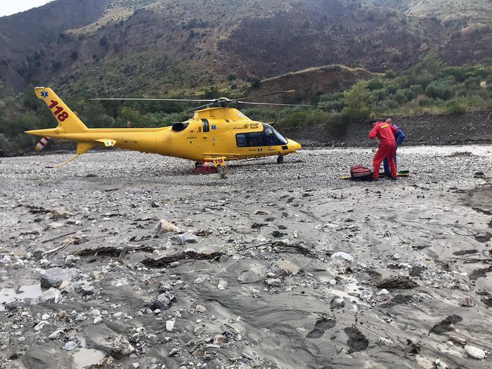 Gole del Raganello, torrente in piena travolge escursionisti: 10 morti sul Pollino. Pm apre inchiesta per omicidio colposo