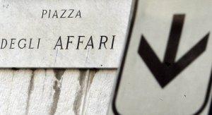 """Il titolo di Atlantia crolla in Borsa: la società proprietaria di Autostrade per l'Italia: """"Ci spetta il valore residuo della concessione"""". Salvini: """"Parlano solo di soldi e affari"""""""