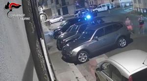 """Migranti picchiati in Sicilia a Ferragosto: 7 persone arrestate. Il gip: """"Modalità brutali e ripugnanti"""""""