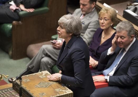 """Brexit, il Parlamento boccia il """"No Deal"""". Theresa May: """"Bisogna votare per un accordo"""""""