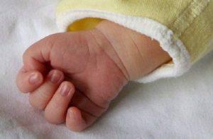 Genova, muore neonato dopo la circoncisione in casa