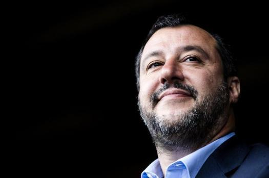 """Busta con proiettile indirizzata a Matteo Salvini: """" Non mi fanno paura, vado avanti"""""""