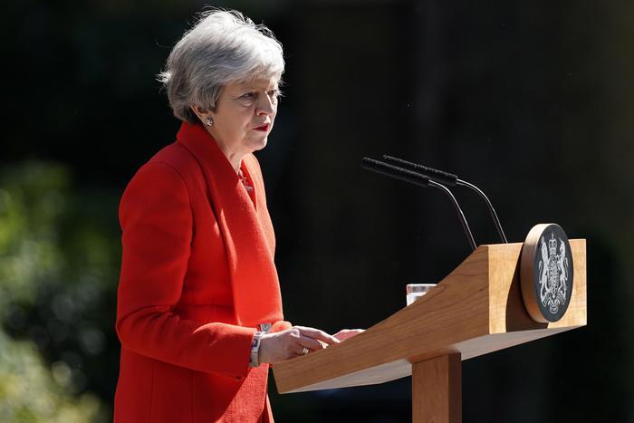 Brexit, Theresa May annuncia (in lacrime) le dimissioni per il 7 giugno