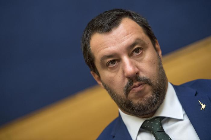"""Salvini contro tutti: """"Conte non può darmi ordini. Beppe Grillo? Venga lui a fare il ministro"""""""
