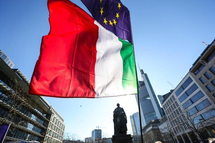 """Commissione Ue: """"Violate le regole sul debito. La procedura contro l'Italia è giustificata"""". Cosa succede ora"""