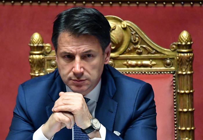 """Conte: """"Governo si arresta. Salvini ha seguito interessi personali e di partito, preoccupa che chieda pieni poteri"""""""