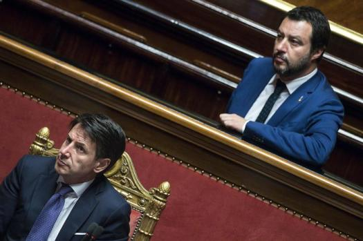 """Conte, lettera aperta a Salvini: """"Su Open Arms sleale collaborazione"""" . Il vicepremier: """"Mi pagano per difendere la sicurezza"""""""