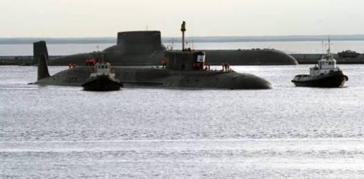 Russia, incendio nella base militare dei sottomarini atomici. Allarme radiazioni