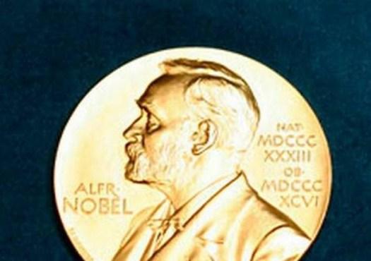 Premio Nobel Economia 2019 all'indiano Banerjee, alla francese Duflo e all'americano Kremer
