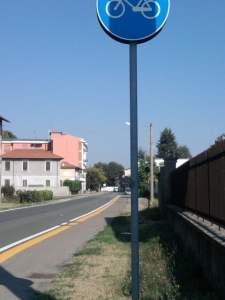 Pista ciclabile ad Ossona, via Marconi