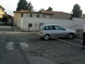 2013-07-03-07.48.28-300x225 Ossona: impacchettate le auto per tirar giù le campane Magazine Strani Casi