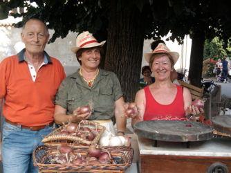 sagracipolla2013a2 Sagra di San Bartolomeo: Ossona tra cipolla e casseoula Eventi Magazine Prima Pagina Turismo