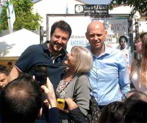 Parabiago, al mercato con Raffaele Cucchi e Matteo Salvini