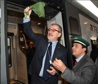 Roberto Maroni inaugura treno