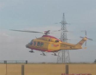 elisoccorso4-324x253 Gli elicotteri del 118 atterrano sui campi da calcio Economia e lavoro Politica Prima Pagina
